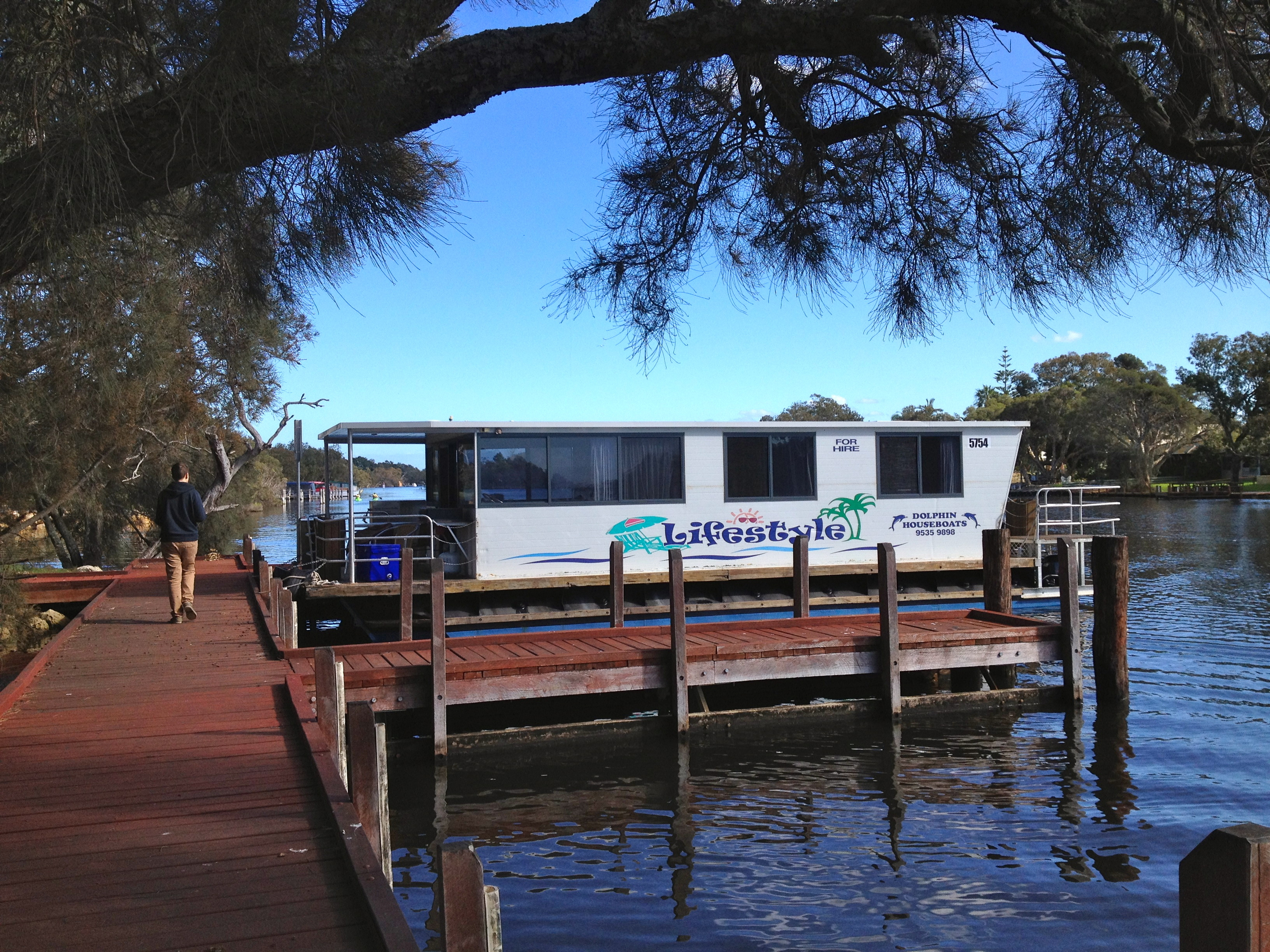mandurah houseboats perth