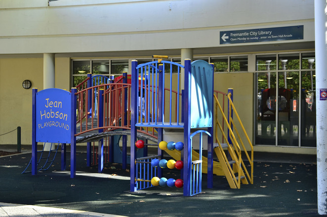 kings square fremantle western australia play area ground slide children fun free activity young adventure