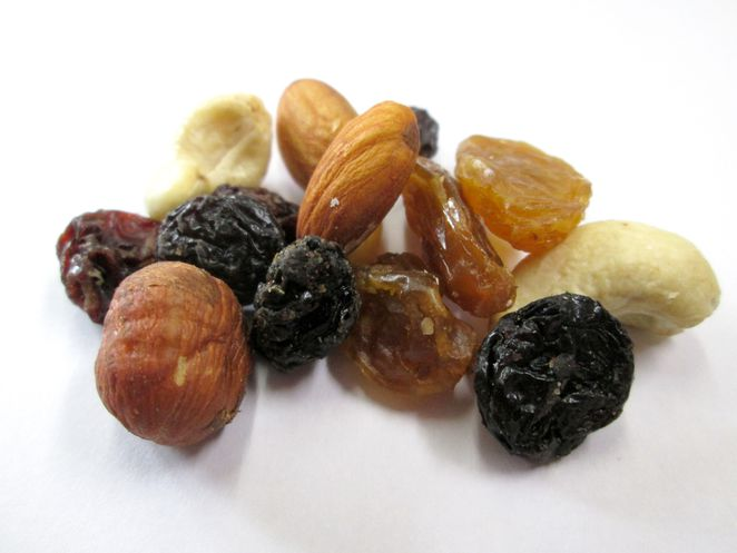 road_trip_snacks_healthy_trail_mix_kids_comfort