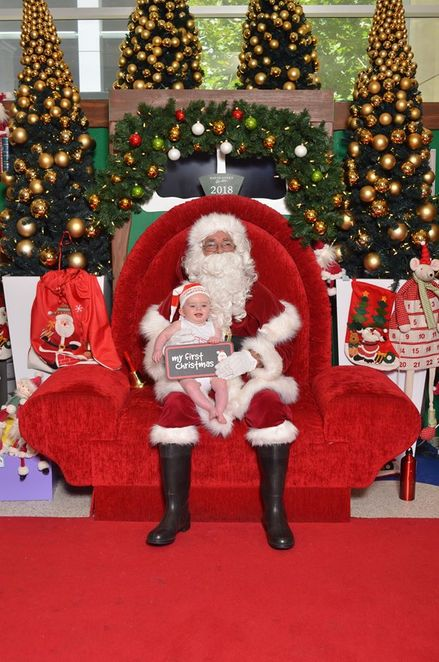 Santa Claus, Father Christmas, Saint Nicholas, Christmas Spirit, Merry Christmas, toys, fun, photos