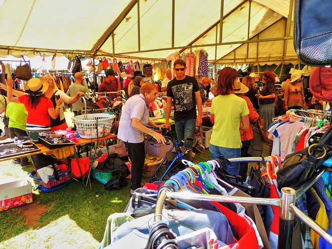 strawberry fair, edwardstown primary school, activities for kids, in adelaide, white elephant, live music, market stalls, south of Adelaide, fun things to do, bag a bargain