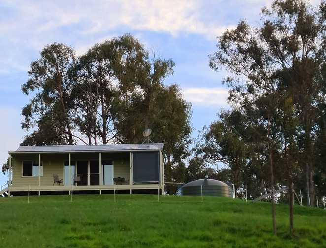 Accomodation, family, farmstay, Tenterfield, views, astronomy, relaxation, peace