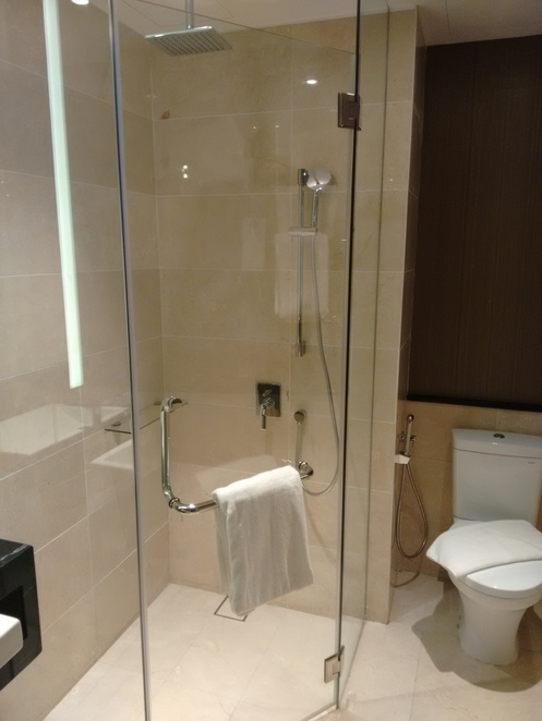 bathroom estadia by hatten deluxe suite melaka hotel