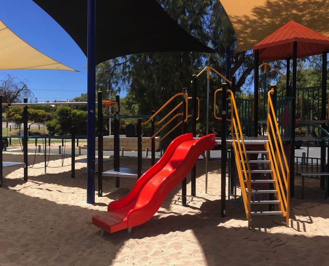 Coogee Beach Café, Coogee Beach Reserve, Cafes with playgrounds Perth, Cafes South of the River, Beachside Cafes South of Perth, child-friendly cafes Perth