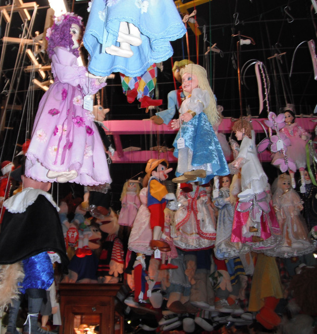 Geppetto's Workshop puppets and dolls in Sassafras