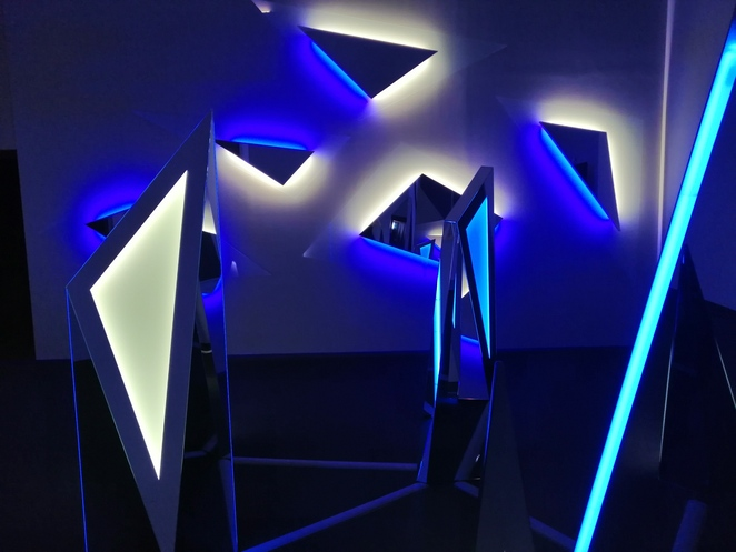 Nanda vigo, light, project, neon, Milan