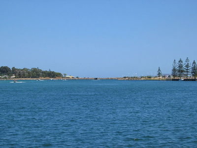 Peel Inlet, Mandurah. Image from Wikimedia Commons (by Orderinchaos).