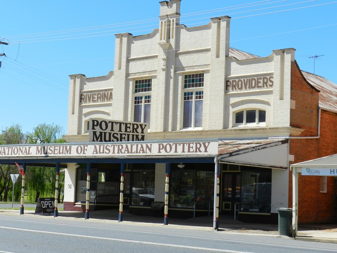 places to visit in Victoria,day trips from Melbourne,weekend getaways,day trips Victoria,Wodonga,holbrook,australian pottery,pottery museum,travel Victoria,road trip