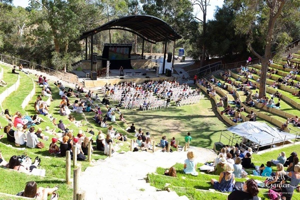 sitting,in,the,amphitheatre,at,Belvoir