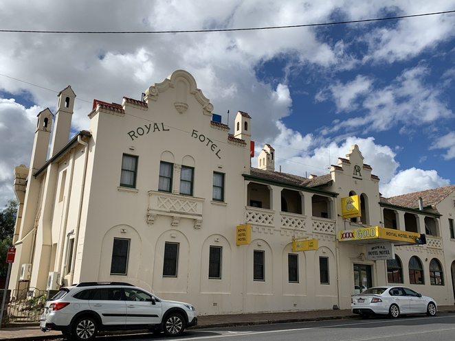 Tenterfield, New South Wales Historical Towns, Sunnyside Bridge, Wallangarra, New England region, New England Hwy, Millbrook Park, deciduous trees in Tenterfield, Stannum House, George Woolnough, Singer and songwriter Peter Allan, Australian poet and author, Banjo Patterson,
