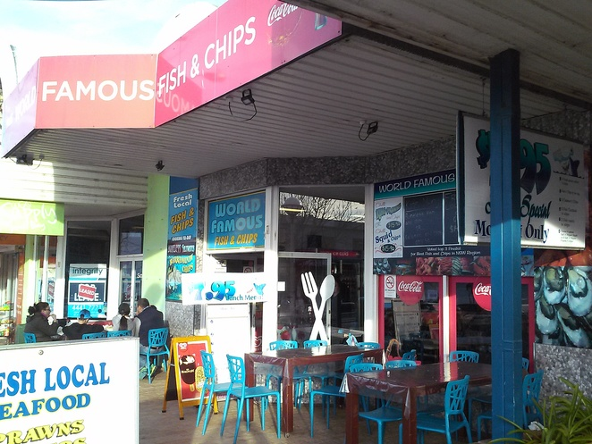 world famous fish and chips, huskisson, jervis bay, lunch, dinner, places to eat, best places, best fish and chips, huskisson wharf, owen street, NSW, south coast,