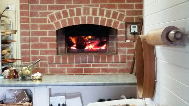Alan Scot designed wood fire pizza oven