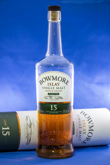 bowmore scotch whisky, islay, single malt, whiskey, bottle
