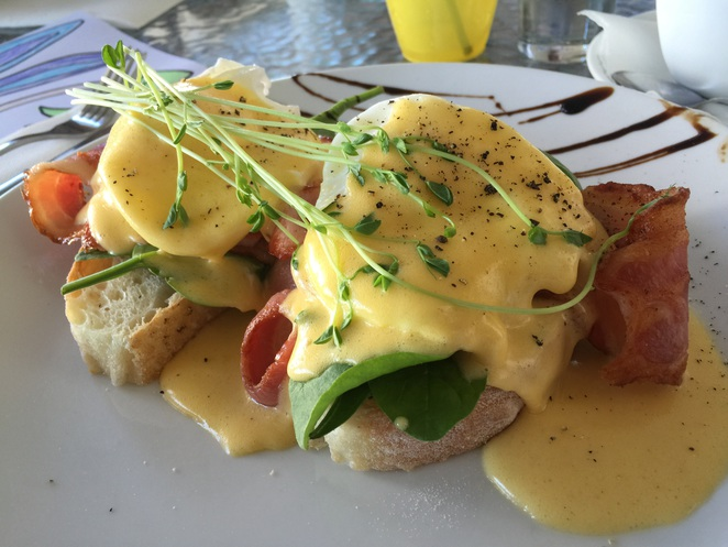 Eggs Benedict breakfast Amici