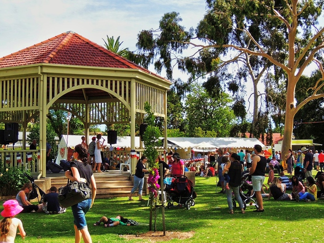 french market, market stalls, free things to do, fun for kids, face painting, food and wine, activities for kids, soldiers memorial gardens, markets in adelaide, unley
