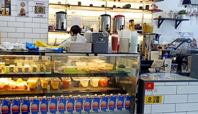 Many customers come to Hi HI just for the bubble teas