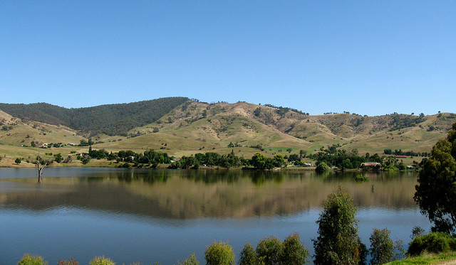 Lake Hume, Tallangatta
