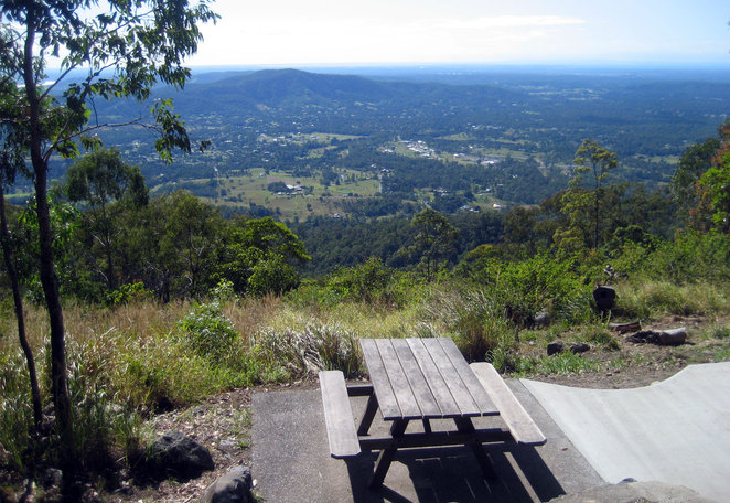 Jollys Lookout has picnic tables and barbecues with views