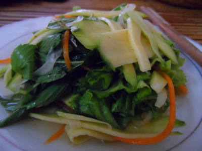 Mango salad,Vietnamese food,Restaurants Vietnam