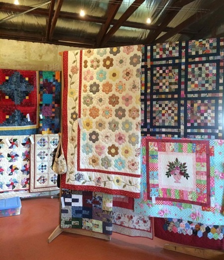 quilts,on,display