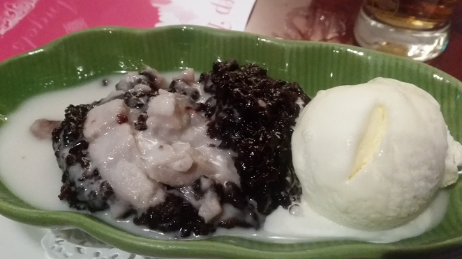 Sticky rice, black.sticky rice, coconut milk, ice cream, taro, dessert, Thai dessert