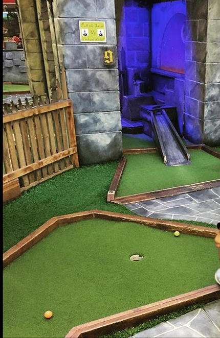 Mini golf, fun, school holidays