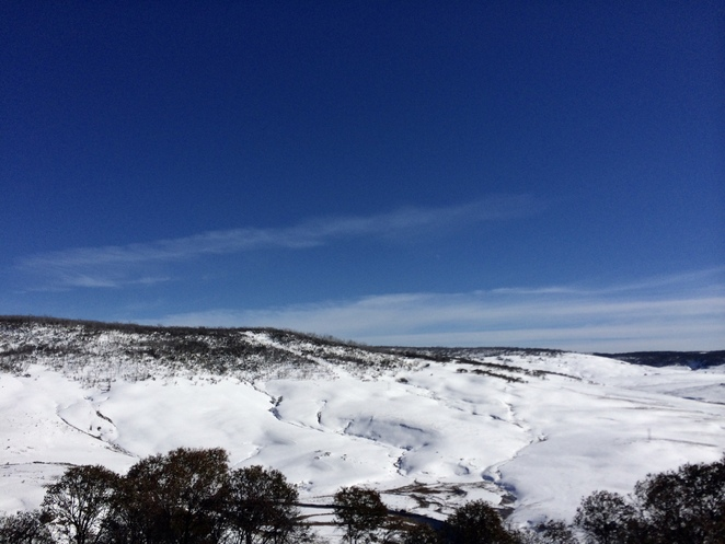 NSW ski resorts, snow near Canberra, skiing near Canberra, Canberra winter activities, snowy mountains, which ski resort should I visit