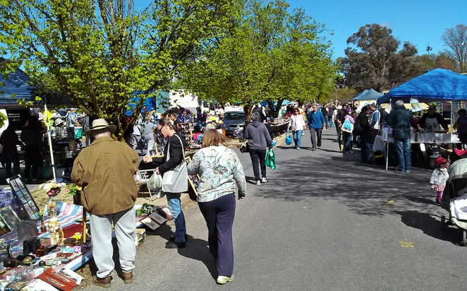 trash and treasure market, canberra, ACT, jamison centre, maquarie, markets, second hand, garage sale, fruit, vegetables,