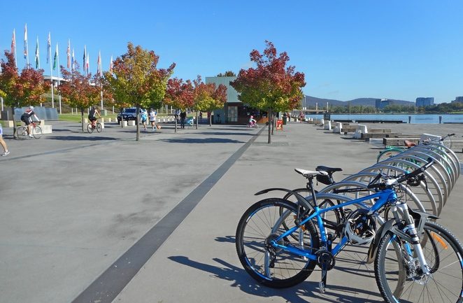 bike riding, canberra, lake burley griffin, canberra, ACT, top things to do, walk, bike paths,