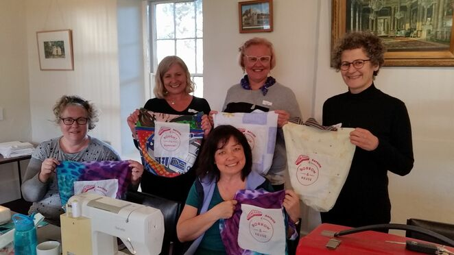 boomerang bags, plastic, plastic pollution, community, group activity, worldwide, global, sewing, fabric bags