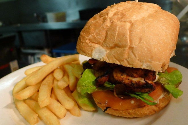 cafe, restaurant, adelaide, cheap eats, curry, asian food, chinatown, pubs, lunch specials, burger