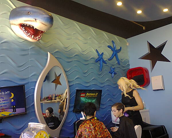 ilookFunKidsCuts UnderWater World; Lollipops Playland & Cafe; 449 Port Road, Croydon