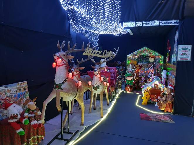 Montville Christmas Wonderland, Christmas in July, we all love Christmas, weatherproof display, Christmas carnival, Disney, Lego, shops, homes, The Grinch, National Lampoons, snow slopes, skiers, trains, working gondola, Aussie garden, Fantasy garden, large nativity, horse and carriage, light fountain, snow cave, large sleigh, Santa, reindeer, photo opportunities, Santa's workshop, tour groups, frosty nights, fireplaces, mulled wine, hot chocolate drinks, let it snow