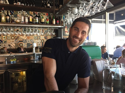 Owner,Michael,behind,the,bar