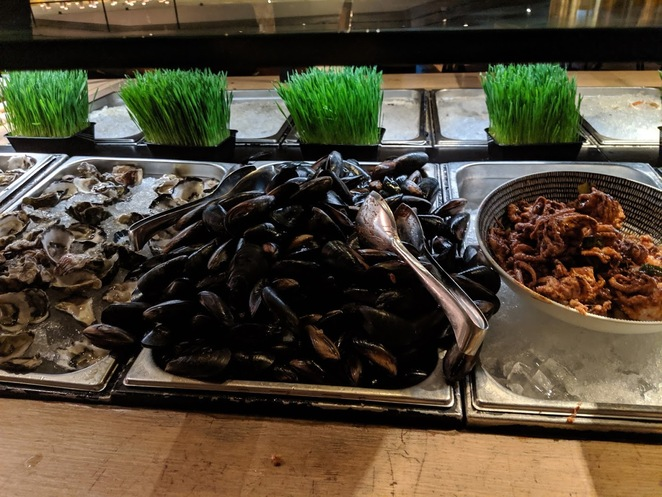 Oysters, mussels and octupus at Sailmaker