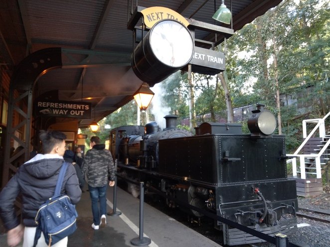Steam train, steam and dine, experience, dandenong ranges, day trip, romantic date, special ocassion, puffing billy