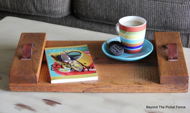 wood crafts, wood serving tray, wooden crafts, handmade, home made, timber crafts, recycled wood, recycled timber, pallet crafts, reclaimed timber, reclaimed wood, recycled crafts