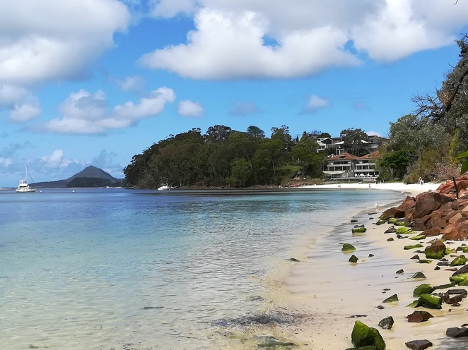 dutchmans beach, dutchies, port stephens, nelson bay, NSW, beaches, bays, port stephens, best, family friendly, swimming, kids, playground, bbq areas, things to do,