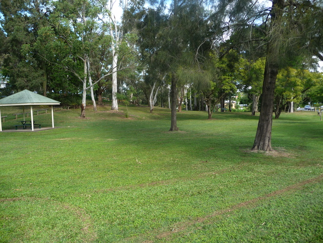 Indooroopilly road, Robertson park, taring, st lucia golf club
