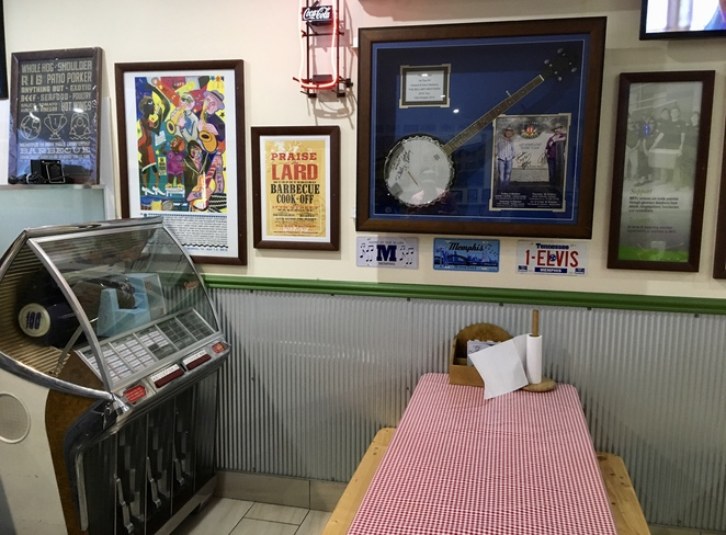 Memphis BBQ Pit, Image by Jade Jackson, American family restaurant Penrith, Slow cooked BBQ takeaway, Penrith restaurants suitable for kids