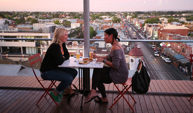 most dramatic dining expereiences melbourne, unusual restaurants melbourne