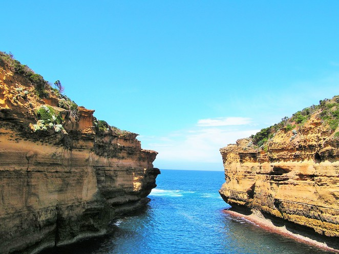 places to visit in Victoria,day trips from Melbourne,weekend getaways,day trips Victoria,long weekend,weekend getaways Melbourne,great ocean road,Apollo bay,12 apostles,otway