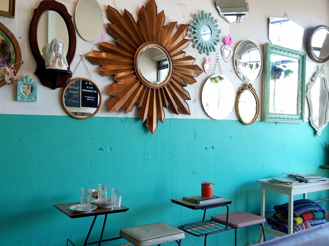 Retro cafe, vintage cafe, northcote
