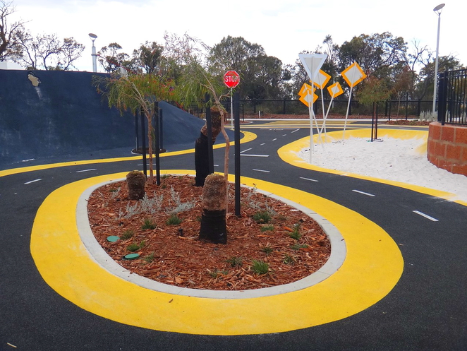 roundabout, pitstop playground, banksia park, race track