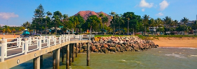Townsville, the strand