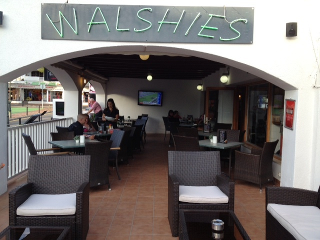 walshies, family friendly restaurant, pub, sport, majorca, cala dor