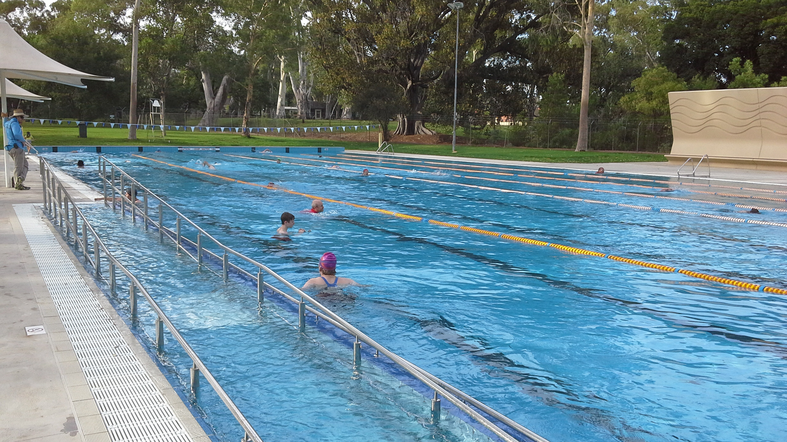 The new look burnside pool at hazelwood park adelaide for Pictures of a pool