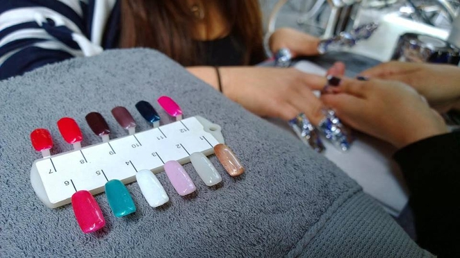 dazzle strands nails grooming melbourne cup