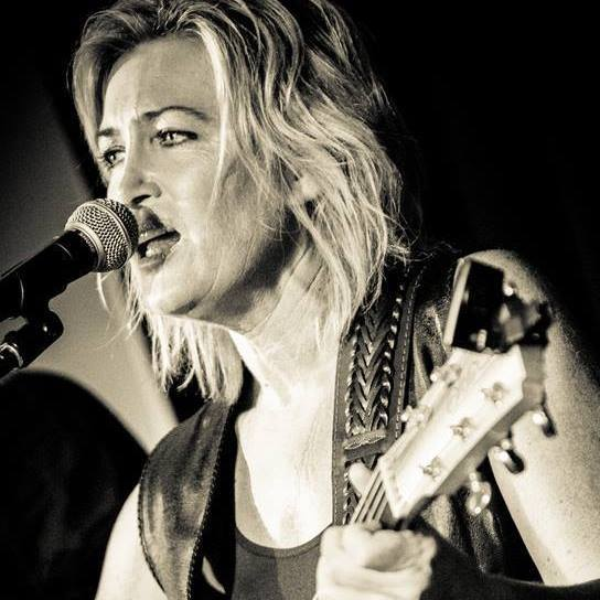 Fiona O'Shea, Country Music, Music, Entertainment, Festivals, Concerts, Near Maryborough, Howard, Queensland