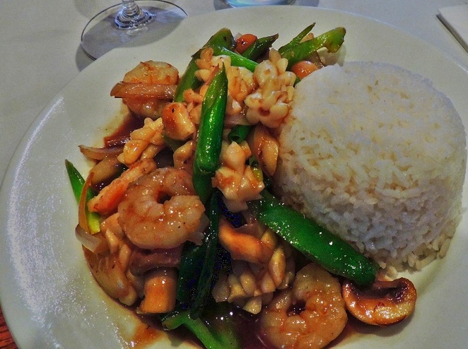 in adelaide, thai restaurant, star of siam, restaurant, shiraz cabernet, masaman, red curry, thai basil, seafood, value for money